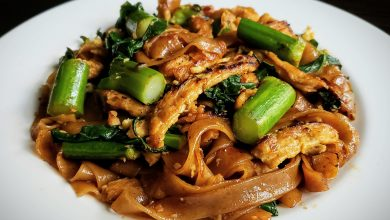 Photo of Pad See Ew (Thai Stir-Fried Noodles) Goes Vegan!